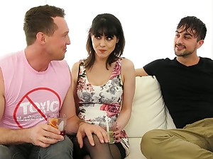 Juggy brunette Audrey Noir and two bisexual dudes enjoy steamy triplet sex