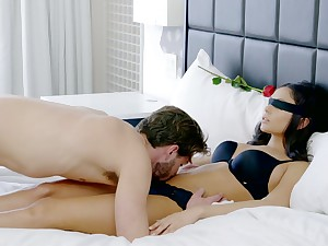 Romantic boyfriend gives a cunnilingus to blind folded girlfriend Ariana Marie