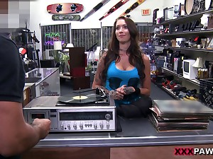 Tattooed vixen will attain anything for a some quick cash