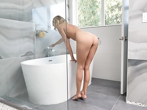 Good looking blonde wife Emma Hix fucked first thing in the morning