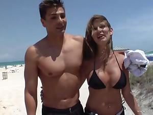 Cum swallowing slut in bikini takes a big blarney in her cunt