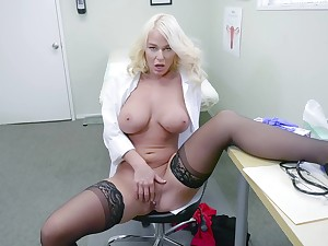 Blonde doctor shows gone masturbating when alone in her rendezvous