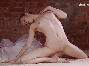 Unproficient titties Russian carve Ksyuha Zavituha loves to dance naked