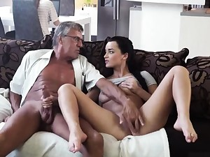 Fake d�bouch� blowjob and anal pussy gangbang What would you