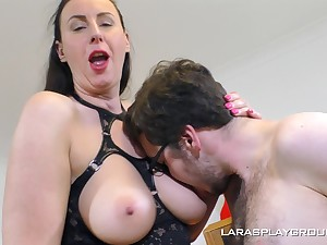 Hardcore screwing above the sofa with classy woman Lana in fishnet